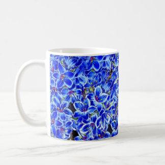 La sauge bleue botanique fleurit la tasse florale