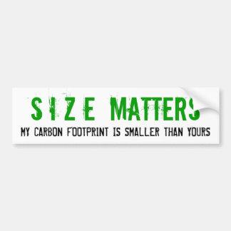 La taille importe empreinte de pas de carbone autocollant de voiture