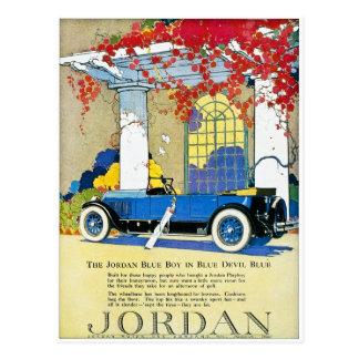 La voiture classique vintage de garçon bleu de la carte postale