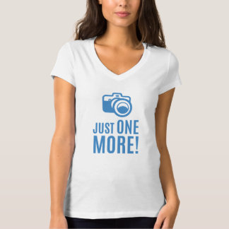 Ladies professional DLSR photographer phrase gift T-Shirt
