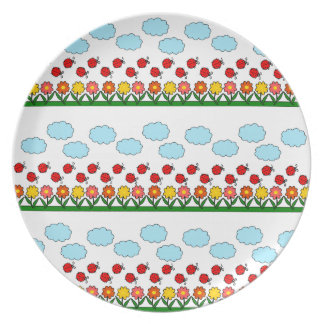 Ladybugs and flowers pattern party plate