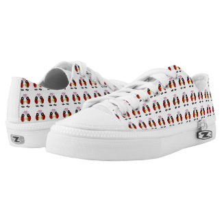 Ladybugs together holding hands in love Low-Top sneakers
