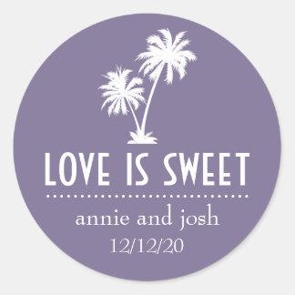 L'amour tropical de palmier est étiquette doux adhésif rond
