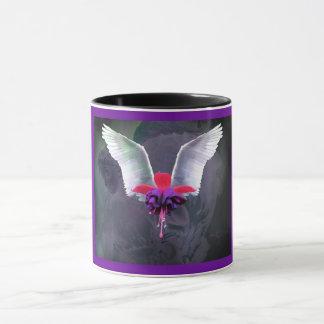 L'ange s'envole avec la fleur fuchsia, arrière -