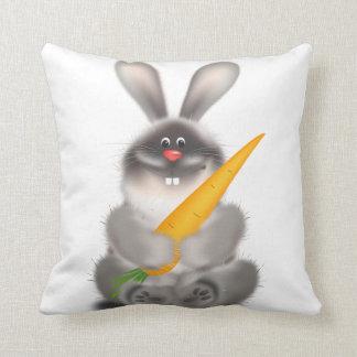 Lapin avec la carotte oreillers