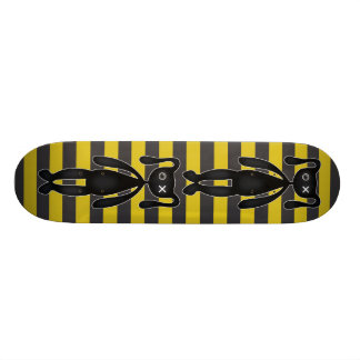 Lapin jaune et noir de Goth Planche À Roulette