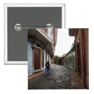 Las Penas-Water Carrier - Cobblestone Road-Ecuador Pin