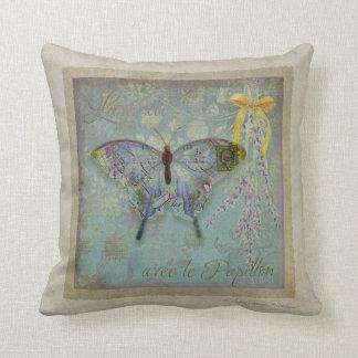 Lavende avec le Papillon, Lavender w Butterfly Throw Pillow