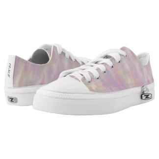 Lavender Wind Pattern Low Top Canvas Shoes