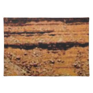 layered gravel wall placemat