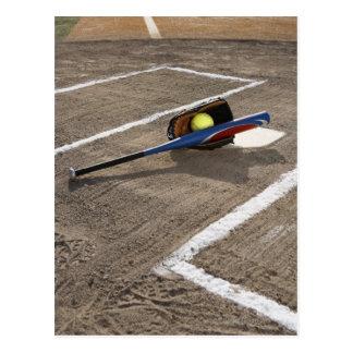Le base-ball, gant du base-ball et batte au marbre cartes postales