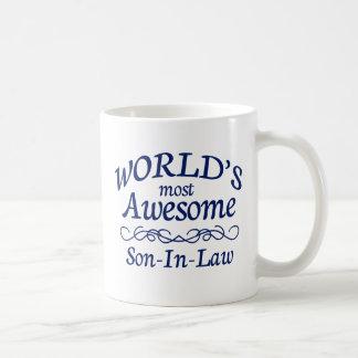 Le beau-fils le plus impressionnant du monde tasse à café