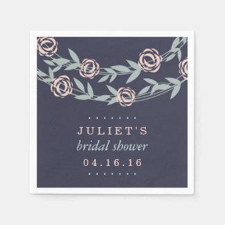 Le bleu de minuit, rougissent rose et douche serviettes en papier
