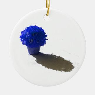 Le bleu fleurit le seau et l'ombre blancs ornement rond en céramique