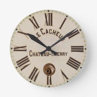 LE CACHEUR | Classic aged captured style Round Clock