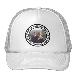 Le cercle de cadre de vacances ajoutent votre casquette