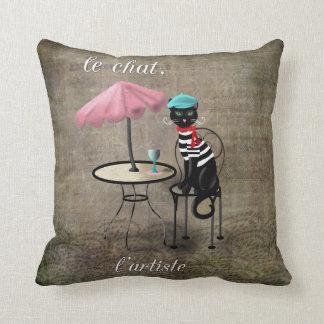 Le Chat, La Reine, L'artiste Throw Pillow