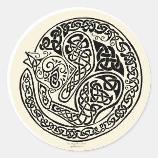 Le chat rêve l ivoire noir celtique adhésif rond
