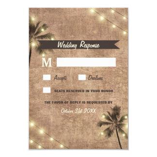 Le cru de palmier allume des cartes du mariage de