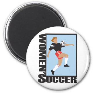 Le football des femmes magnet rond 8 cm