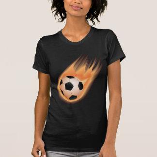 le football, le feu de ballon de football t-shirt