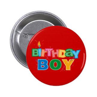 Le garçon de Bithday marque avec des lettres le bo Badges Avec Agrafe