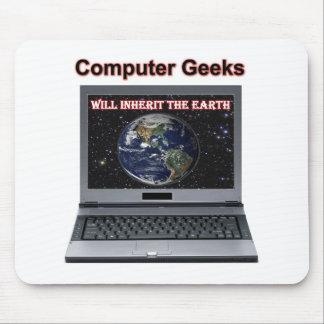 le geeks d ordinateur héritera de la terre tapis de souris