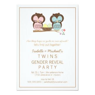 Le genre jumeau de bébé de hiboux mignons carton d'invitation  12,7 cm x 17,78 cm