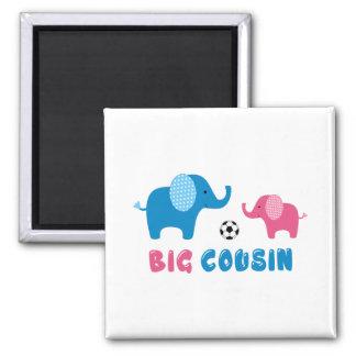 Le grand football d'éléphant de cousin magnet carré