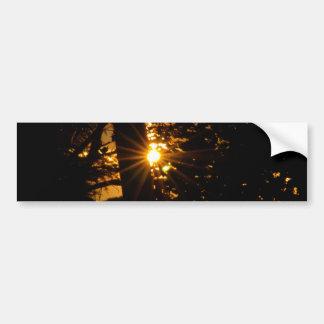 Le jour montre du doigt au lever de soleil autocollant de voiture