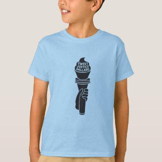 Le juge doux badine le T-shirt