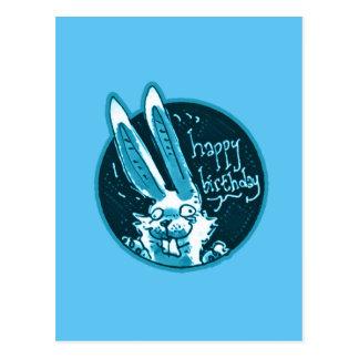 le lapin drôle confus indique la bande dessinée de carte postale