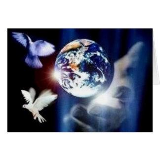 Le monde entier dans sa carte de voeux de mains