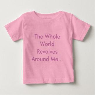 Le monde entier tourne autour de moi… tshirts