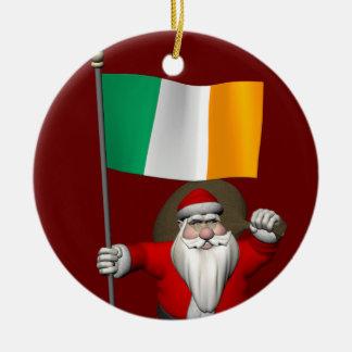 Le père noël avec le drapeau de l'Irlande Décorations De Noël