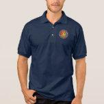Le polo des hommes avec le cinquantième logo d'ann