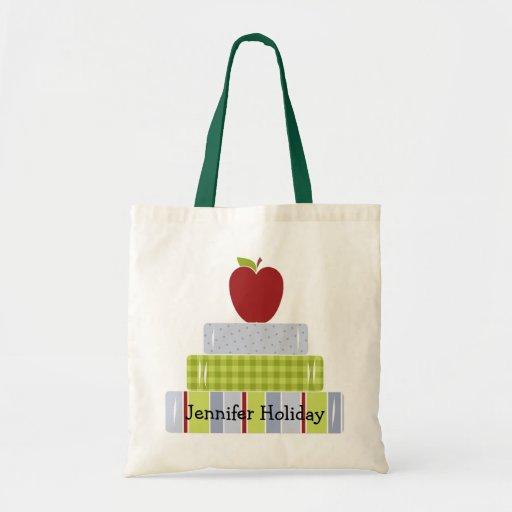 Le sac fourre-tout du professeur empilé de livres