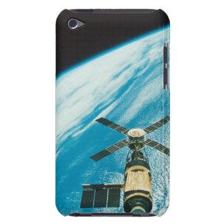 Le Skylab au-dessus de la terre Étui iPod Touch