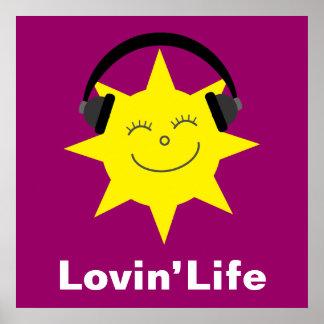 Le soleil et affiche heureux de la vie de Lovin d