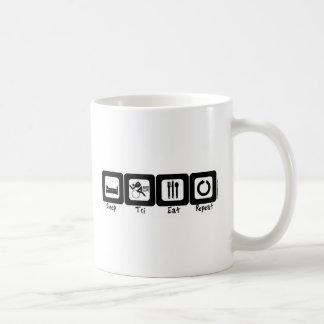 Le sommeil tri mangent la répétition mug blanc