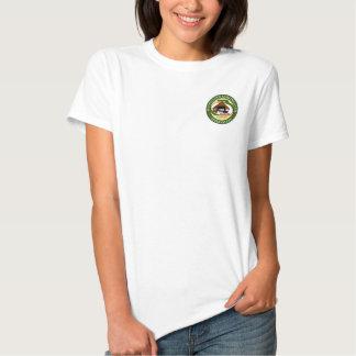 Le T-shirt des femmes avec le logo de bordage de
