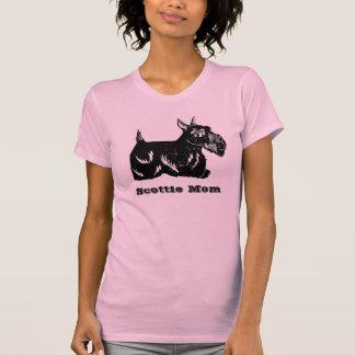 Le T-shirt des femmes de maman de chien de Scottie