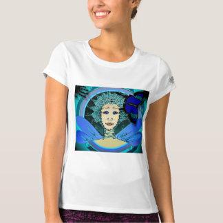 Le T-shirt des femmes - fée avec un papillon bleu