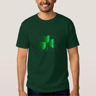 Le T-shirt foncé de base des hommes avec le