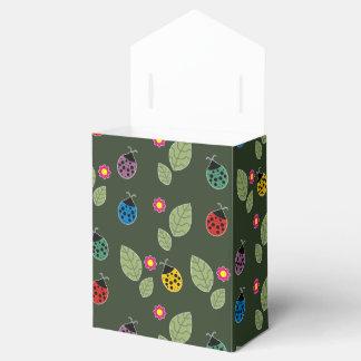 Leaf and beetle favor box