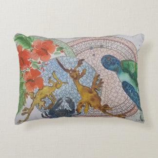 Leafy seadragons decorative pillow