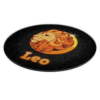 Leo illustration cutting board