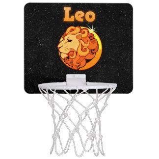 Leo illustration mini basketball hoop