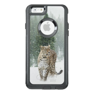 Leopard in the Snow OtterBox iPhone 6/6s Case
