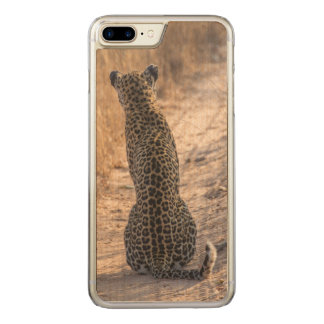 Leopard sitting in road, Africa Carved iPhone 8 Plus/7 Plus Case